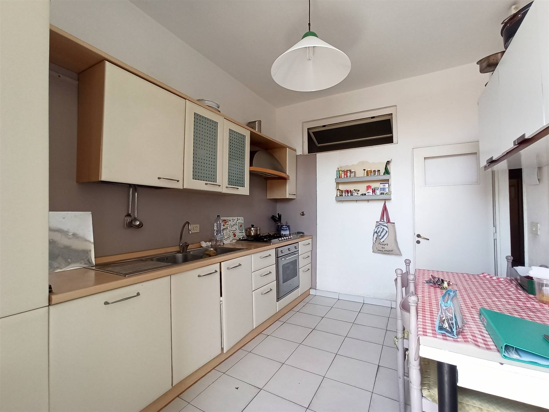 NOVOLI, FIRENZE, Apartment for sale of 80 Sq. mt., Habitable, Heating Individual heating system, Energetic class: G, placed at 2° on 4, composed by: