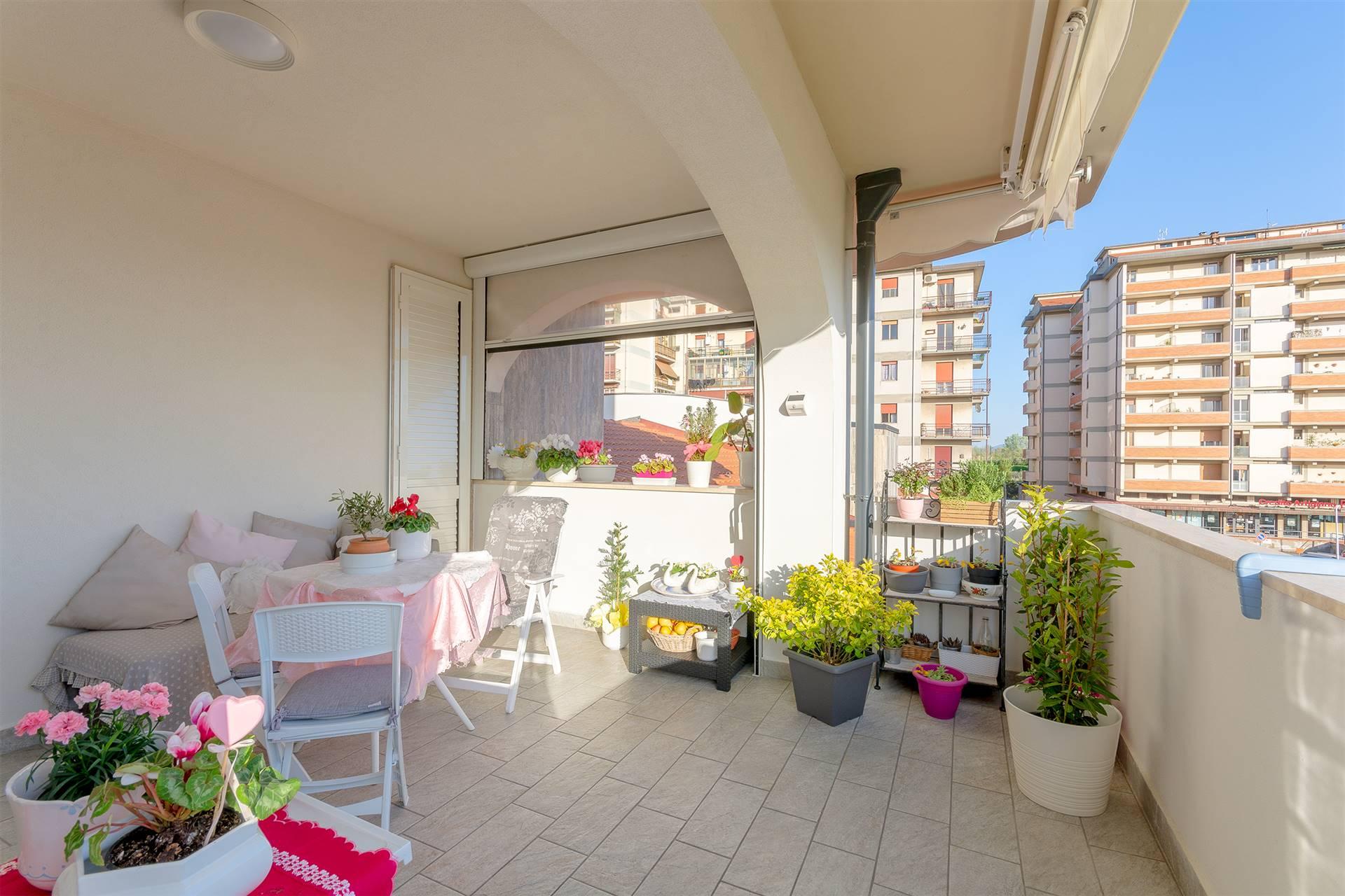 NOSTRA ESCLUSIVA. Campi Bisenzio, località Capalle, in contesto estremamente comodo e ben servito, proponiamo in vendita DELIZIOSO appartamento