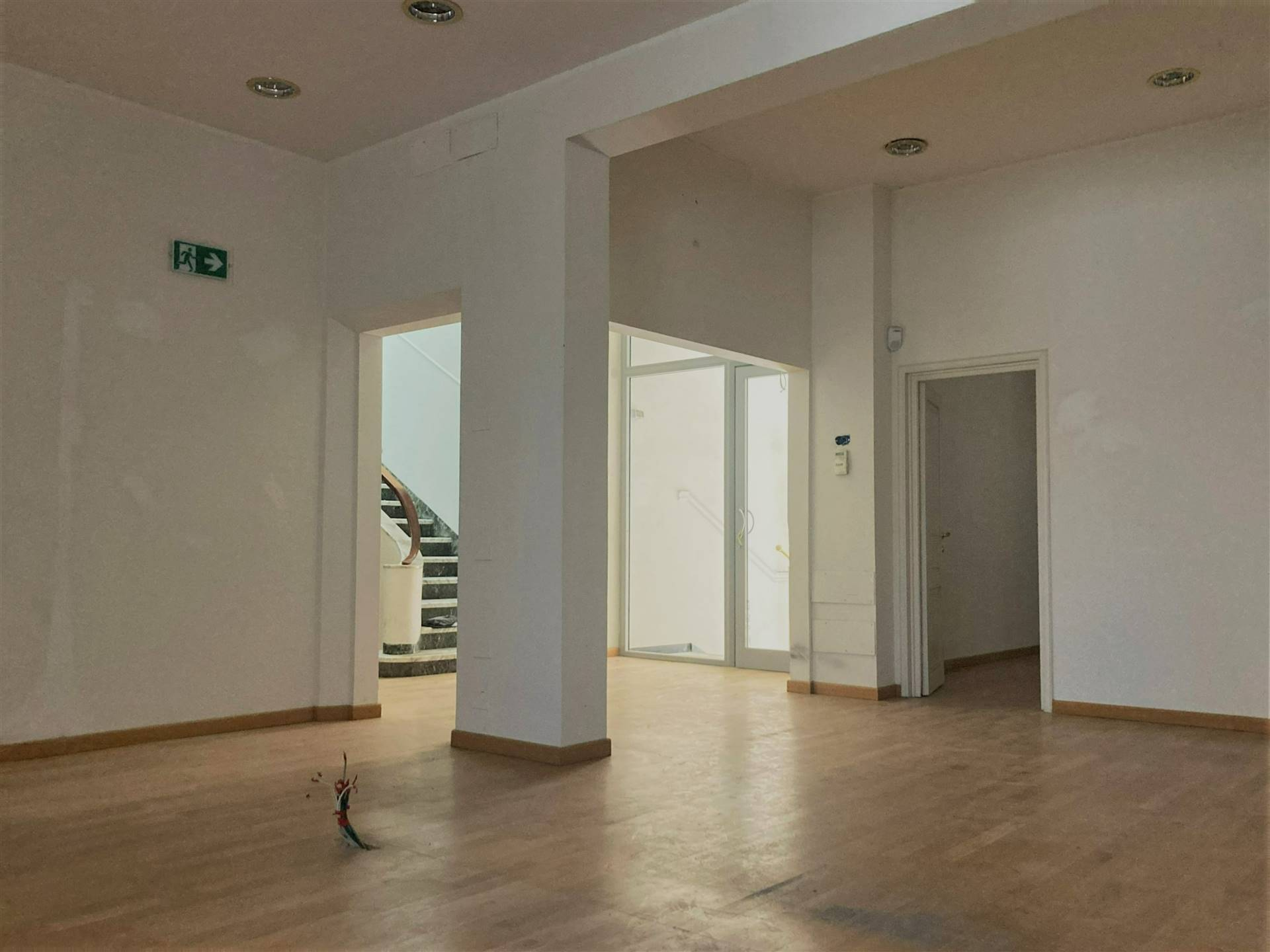 RIFREDI, FIRENZE, Office for rent, Excellent Condition, Heating Individual heating system, Energetic class: G, placed at Ground on 1, composed by: 8