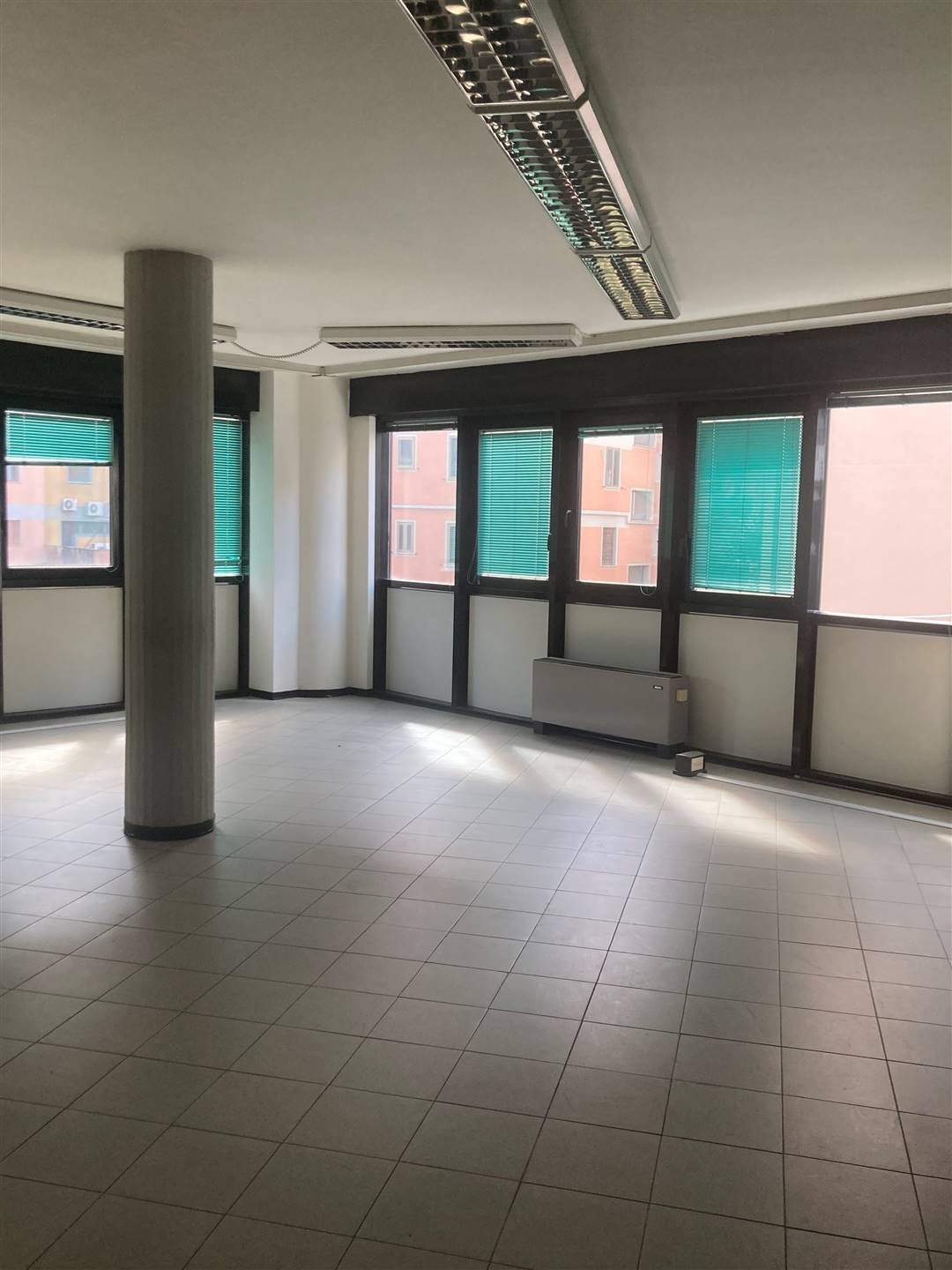 MONTEGRAPPA, PRATO, Office for sale, Excellent Condition, Heating Centralized, Energetic class: A+, composed by: , 4 Bathrooms, Elevator, Price: €