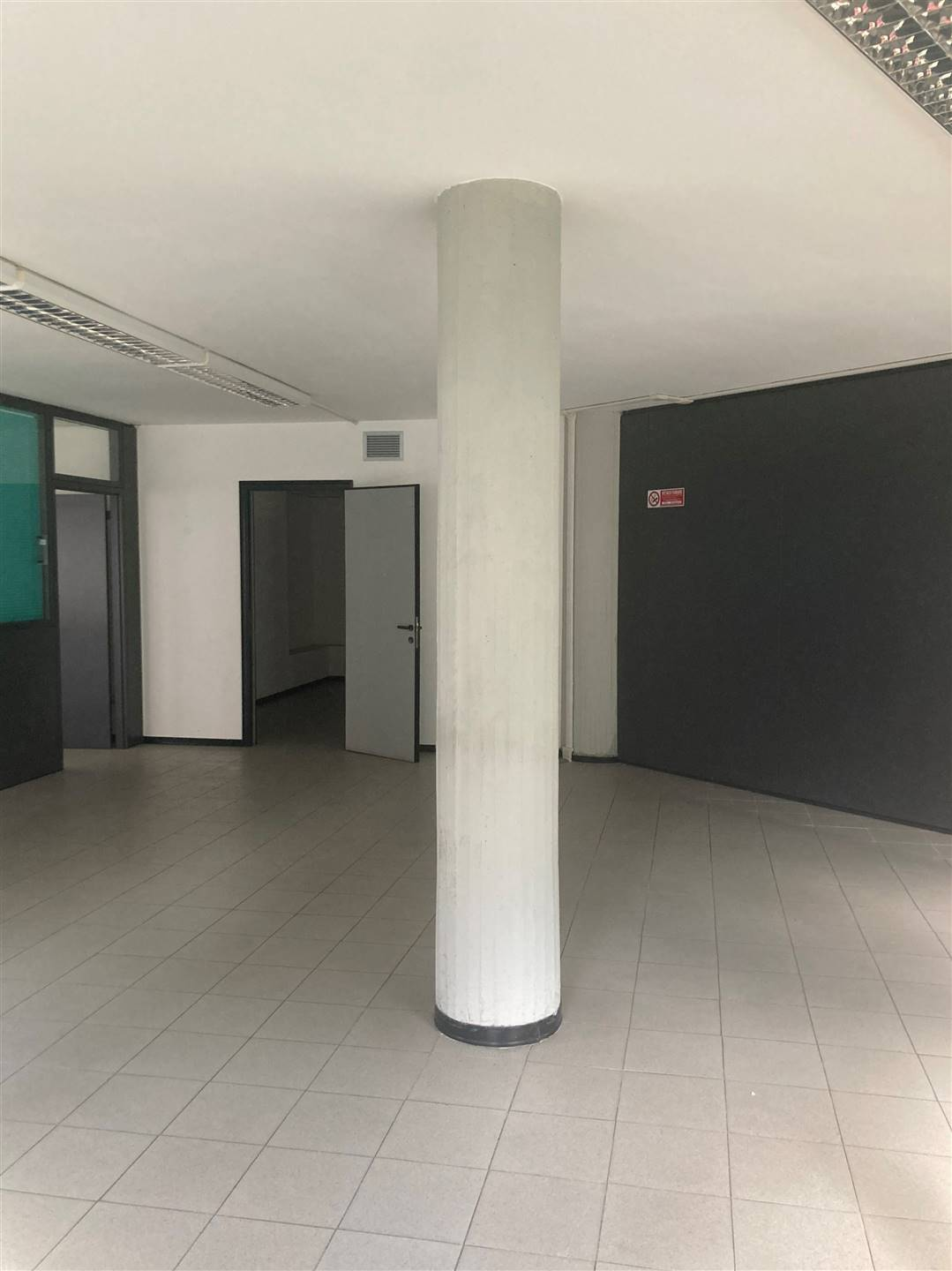 MONTEGRAPPA, PRATO, Office for rent, Excellent Condition, Heating Centralized, Energetic class: A, composed by: , 3 Bathrooms, Elevator, Price: € 6,