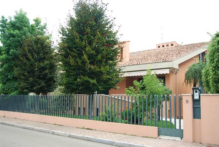 Villa, Besurica, Piacenza