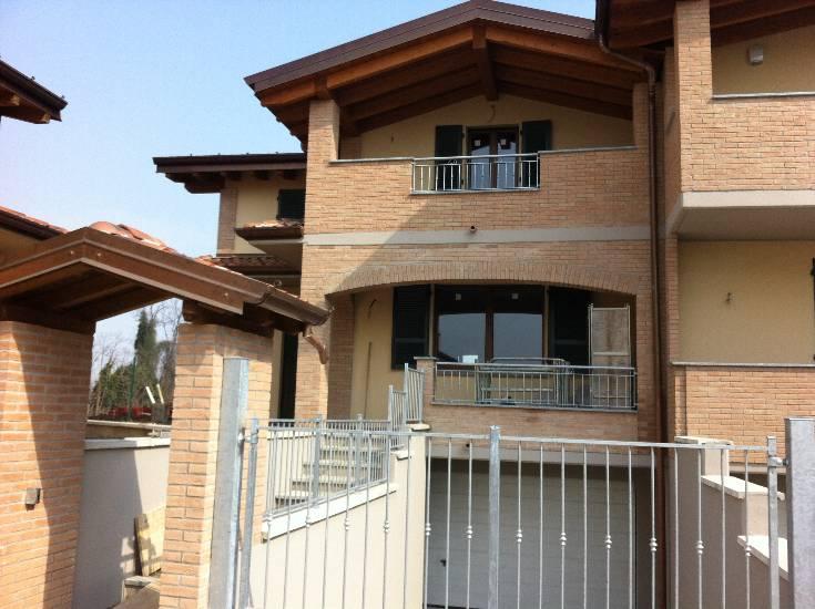 Bifamiliare, Quart. 2000, Piacenza, in nuova costruzione