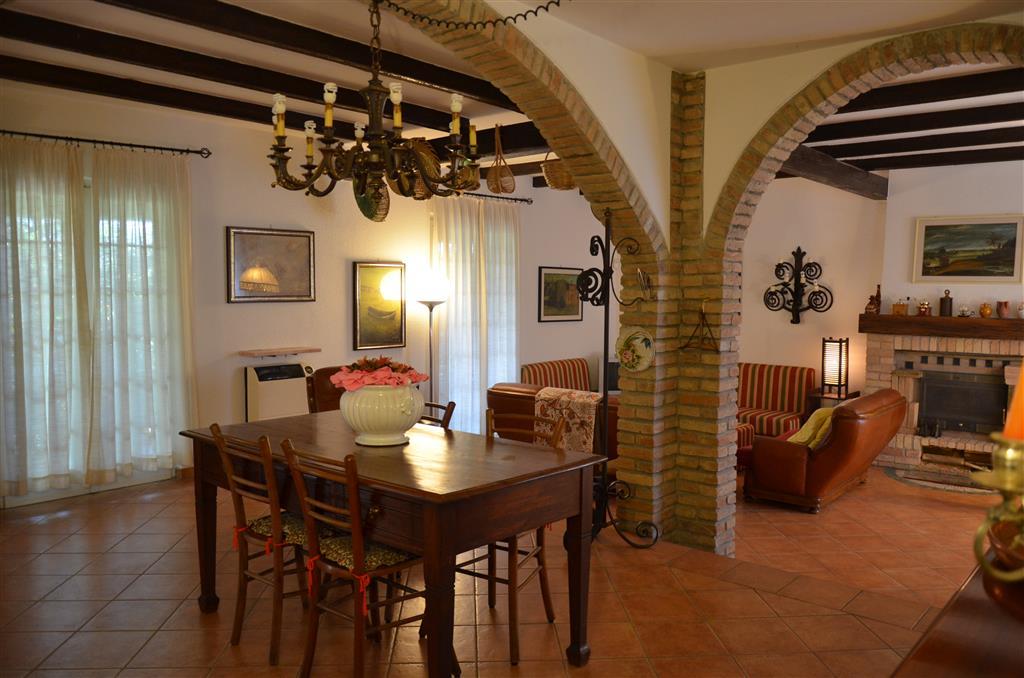 Villa in Loc. Rossetti 1/5, Castellana, Gropparello