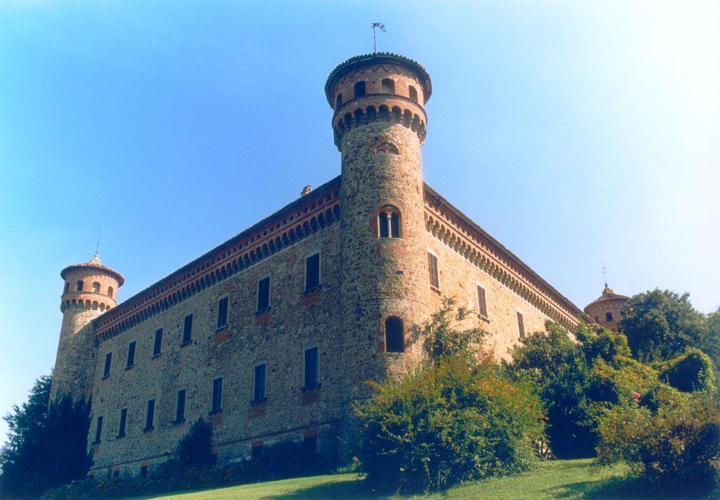 Tenuta-Complesso, Centro Storico, Piacenza, in ottime condizioni