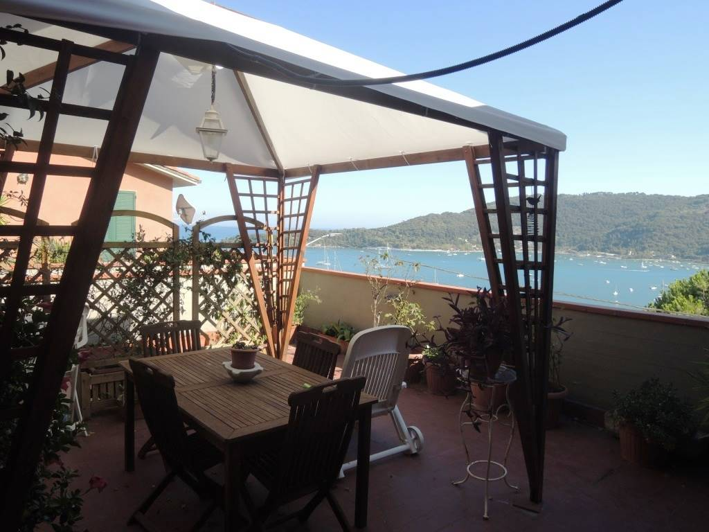 Appartamento in vendita a Portovenere, 4 locali, prezzo € 600.000 | PortaleAgenzieImmobiliari.it
