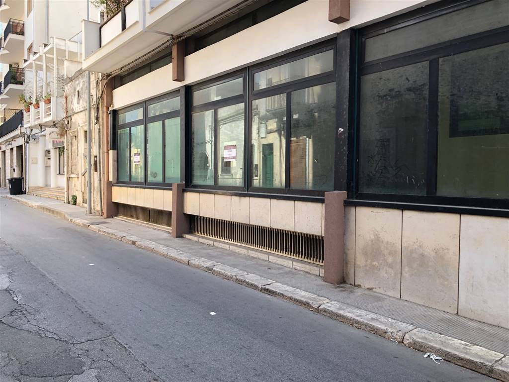 Ufficio / Studio in vendita a Sava, 9999 locali, prezzo € 220.000 | PortaleAgenzieImmobiliari.it