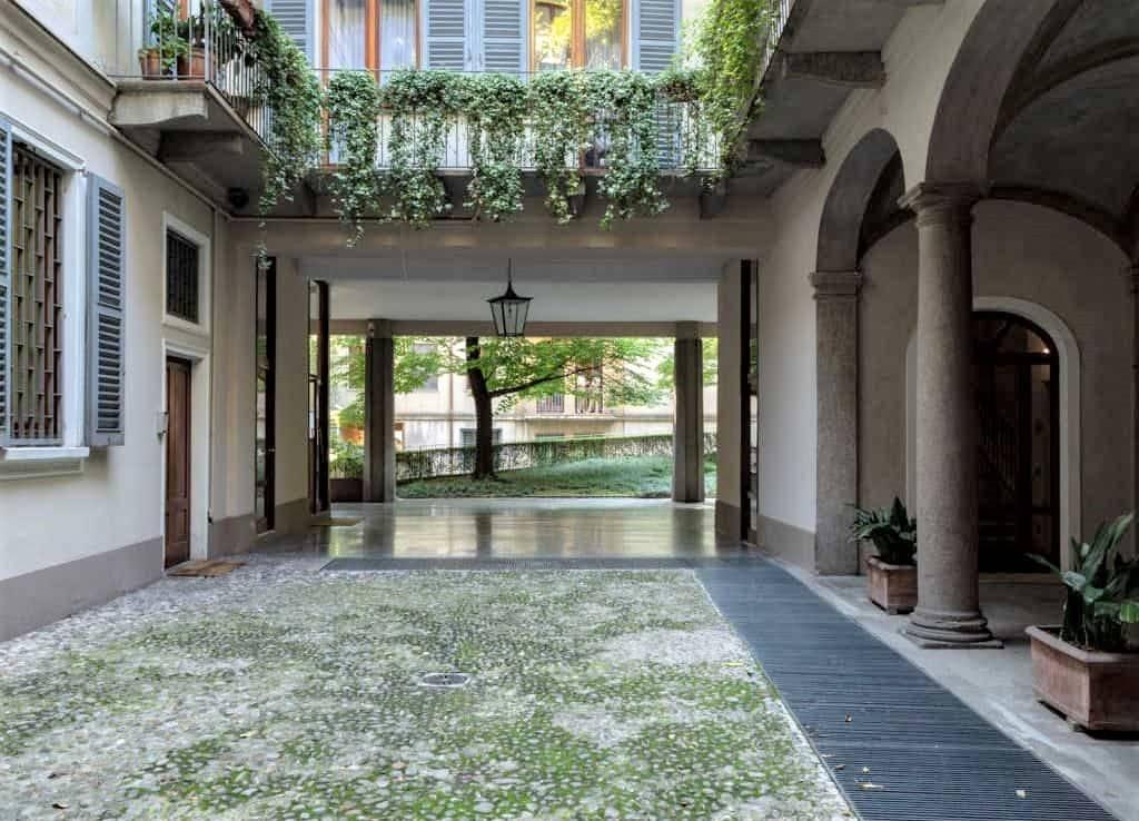 CATTOLICA, MILANO, Appartamento in affitto di 145 Mq, Riscaldamento Centralizzato, Classe energetica: G, posto al piano 5°, composto da: 3 Vani,