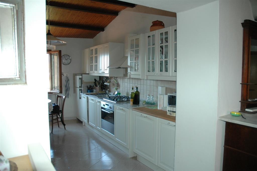 Vendita appartamento suvereto abitabile terzo piano for Immobiliare il gioiello