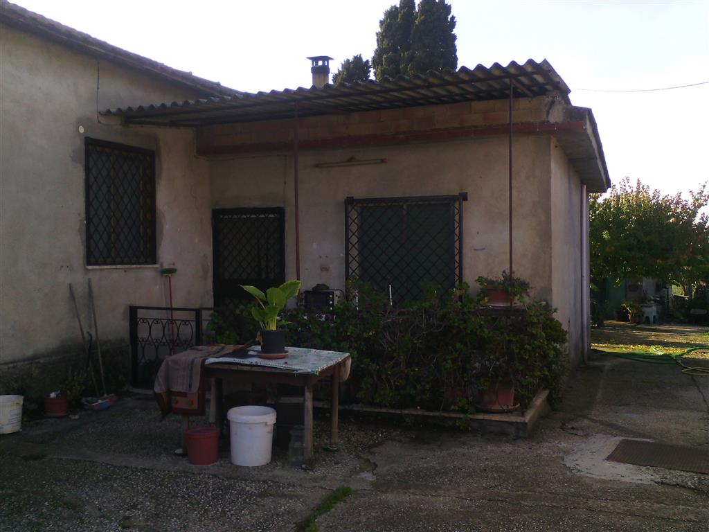 Casa semi indipendente, Aprilia, abitabile
