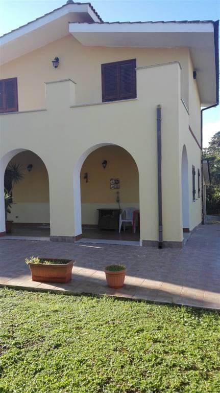 Villa, Aprilia, ristrutturata