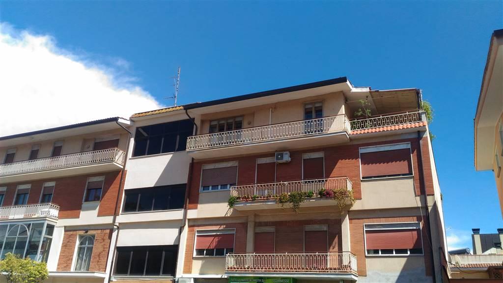 Quadrilocale, Aprilia
