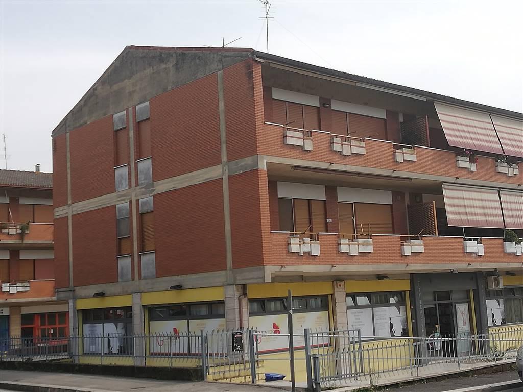 Trilocale, Aprilia