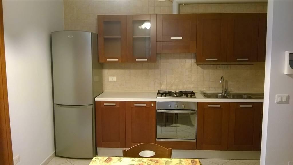 Appartamento in affitto a Potenza, 2 locali, zona Zona: Via Mazzini, prezzo € 300 | CambioCasa.it