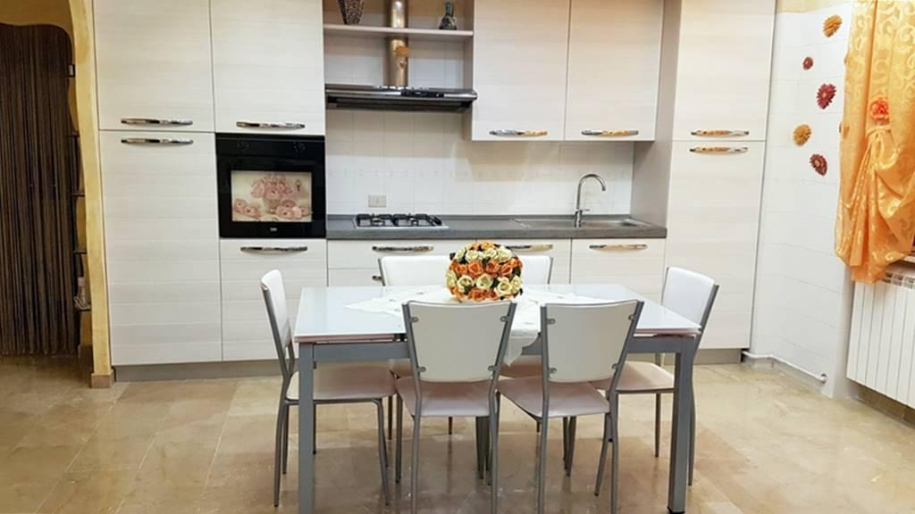 Appartamento in vendita a Potenza, 2 locali, prezzo € 109.000 | CambioCasa.it