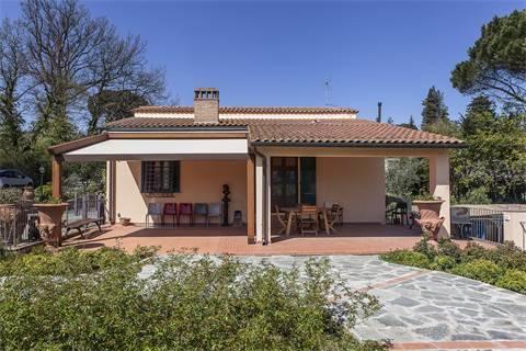 Villa in vendita a Firenze, 7 locali, zona Zona: 19 . Poggio imperiale, Porta Romana, Piazzale Michelangelo, prezzo € 950.000 | CambioCasa.it