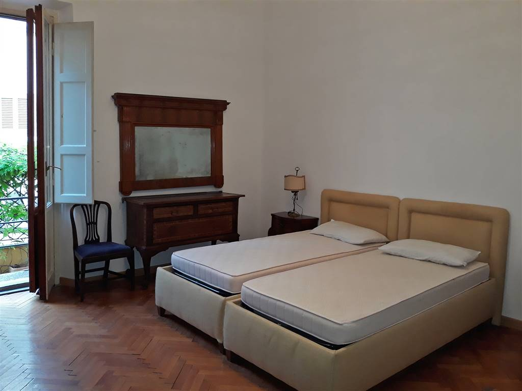 camera matrimoniale 1 con accesso al terrazzo