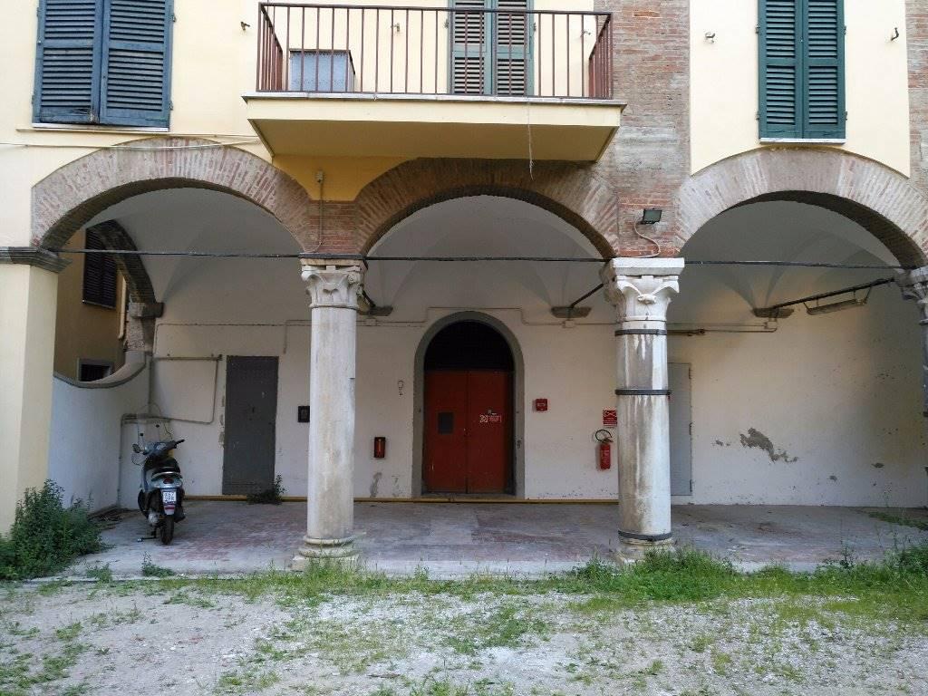 Quadrilocale, Porta a Lucca, Pisa, ristrutturato