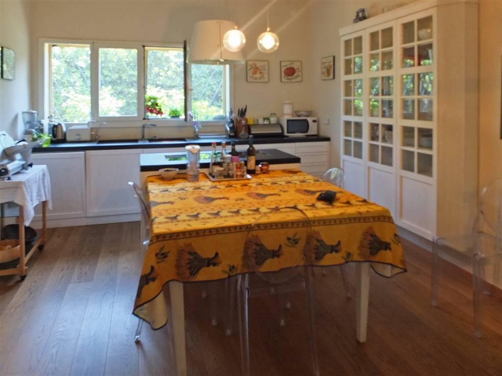 cucina abitabile app. piano terra