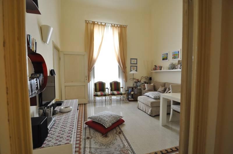BECCARIA, FIRENZE, Appartamento in vendita di 260 Mq, Abitabile, Riscaldamento Autonomo, Classe energetica: G, posto al piano 2° su 3, composto da: