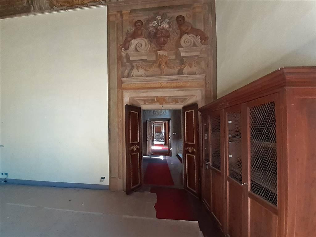 sala e corridoio affrescato