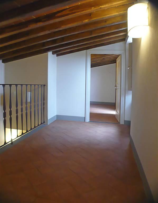 interno 2' piano