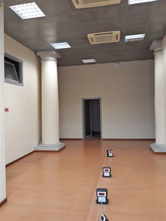BECCARIA, FIRENZE, Commercialproperty for rent of 500 Sq. mt., Excellent Condition, Heating Individual heating system, Energetic class: G, composed