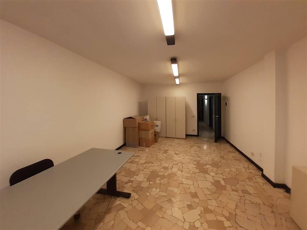 ampia stanza in affitto