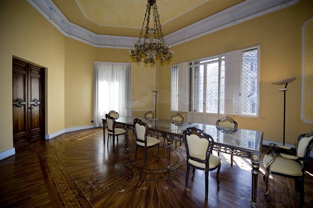 PIAZZA SAN MARCO, FIRENZE, Office for rent of 52 Sq. mt., Excellent Condition, Heating Individual heating system, Energetic class: G, Epi: 123 kwh/m3