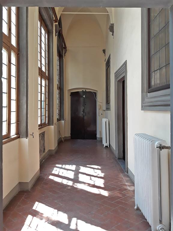 DUOMO, FIRENZE, Office for rent of 239 Sq. mt., Excellent Condition, Heating Individual heating system, Energetic class: G, Epi: 123 kwh/m3 year,