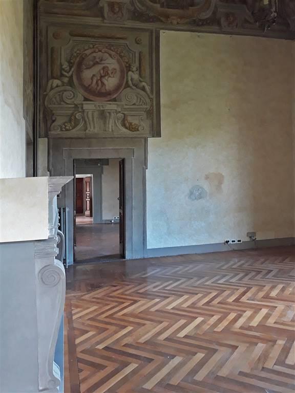 sala con affreschi