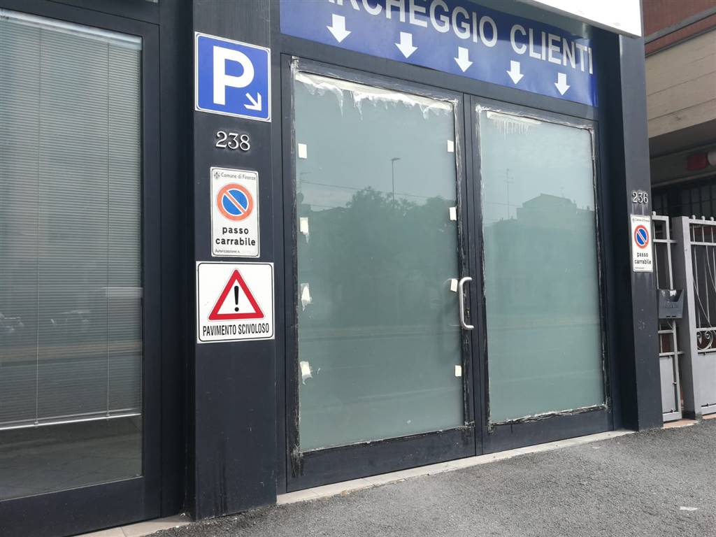 LEGNAIA, FIRENZE, Business unit for sale of 1200 Sq. mt., Good condition, Energetic class: G, composed by: 4 Rooms, 3 Bathrooms, Price: € 1,700,000