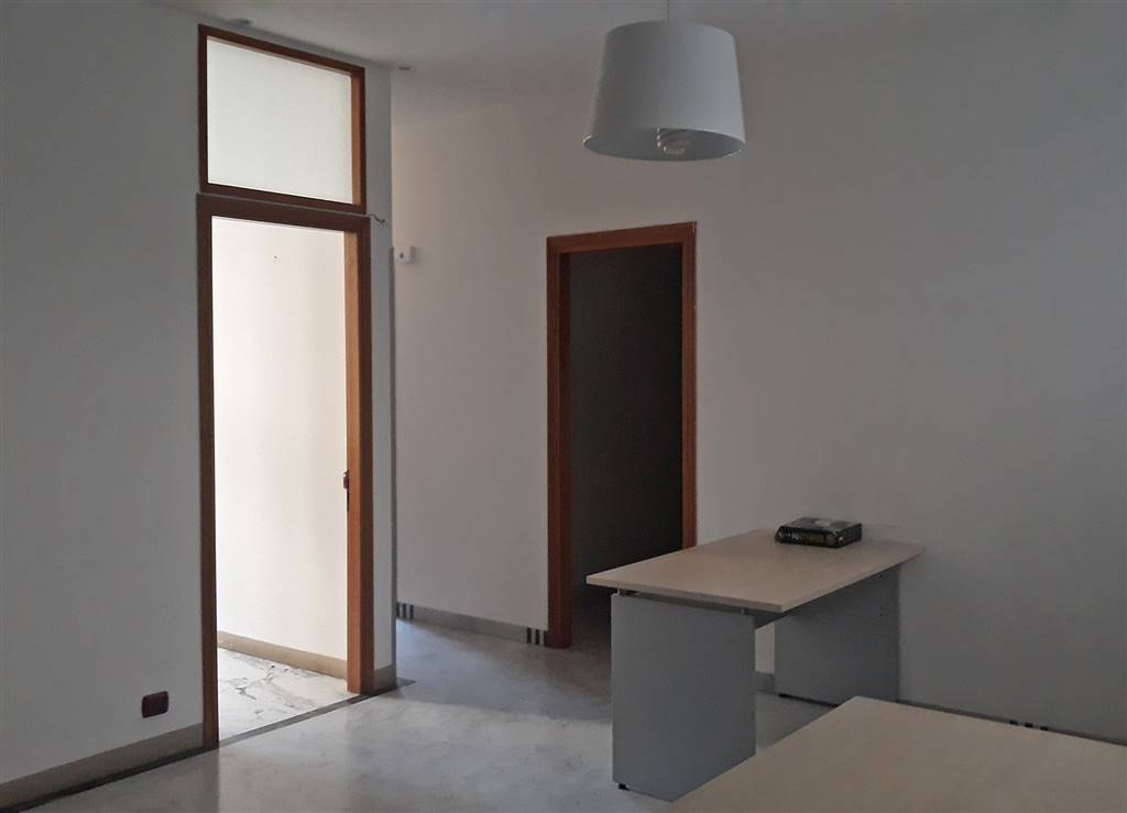 GAVINANA, FIRENZE, Office for rent of 80 Sq. mt., Excellent Condition, Heating Individual heating system, Energetic class: F, Epi: 123 kwh/m3 year,