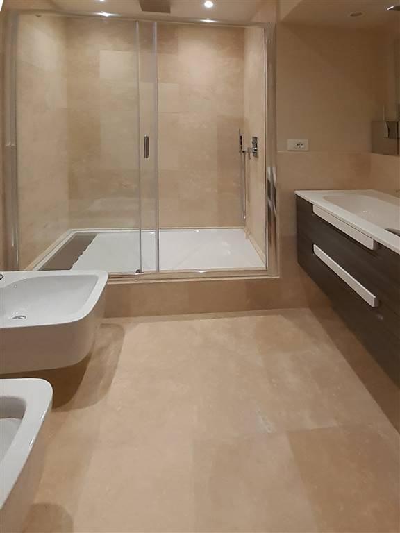 2' bagno con doccia