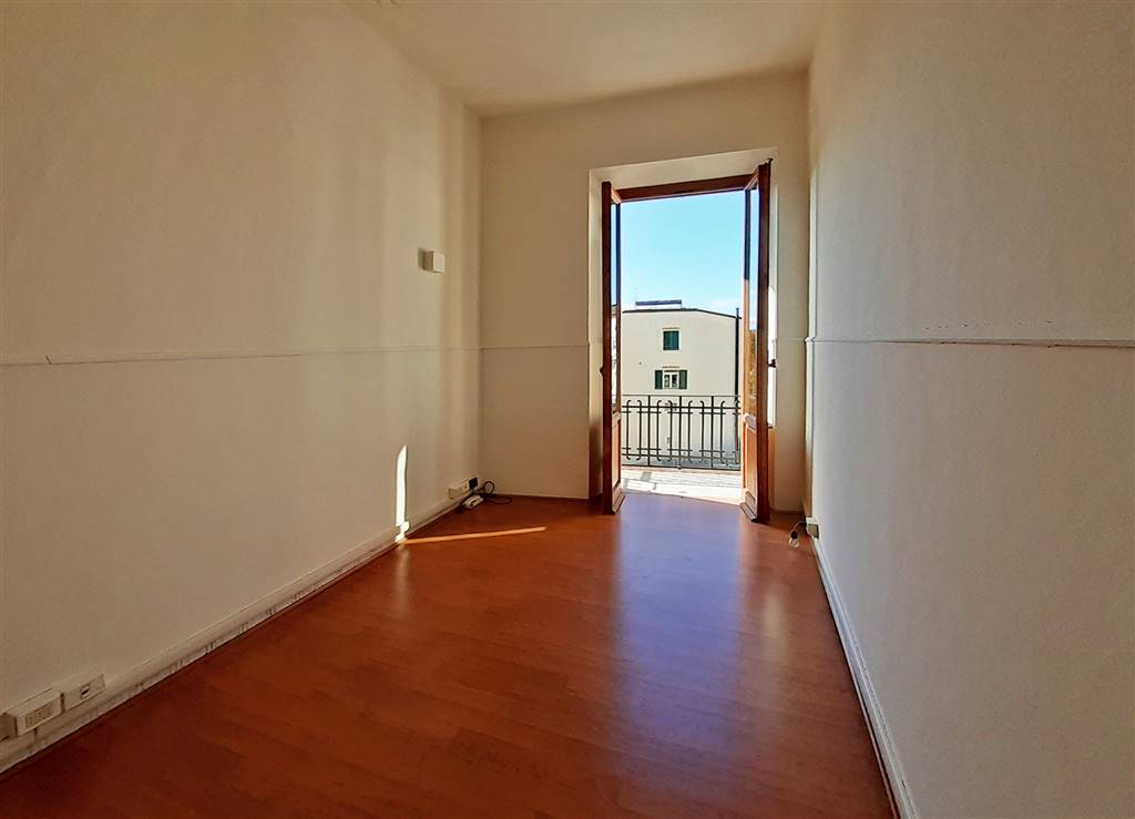 ALBERTI, FIRENZE, Office for rent of 120 Sq. mt., Restored, Heating Individual heating system, Energetic class: G, Epi: 200 kwh/m3 year, placed at 2°