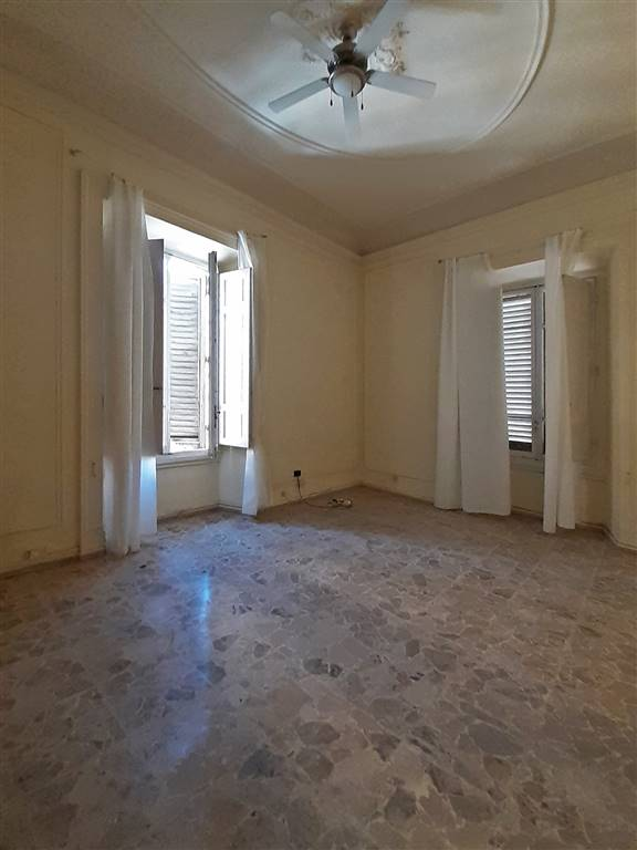 LIBERTÀ, FIRENZE, Office for rent of 300 Sq. mt., Restored, Heating Individual heating system, Energetic class: G, Epi: 342 kwh/m3 year, placed at 2°