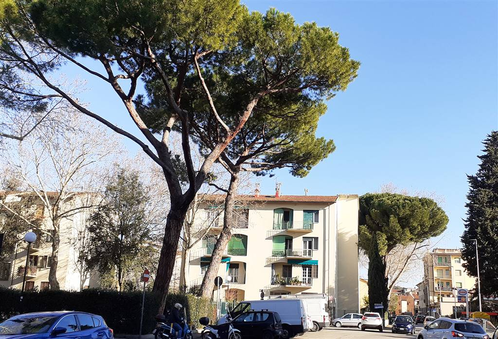 ISOLOTTO, FIRENZE, Apartment for rent of 98 Sq. mt., Excellent Condition, Heating Centralized, Energetic class: B, Epi: 112 kwh/m2 year, placed at 2°