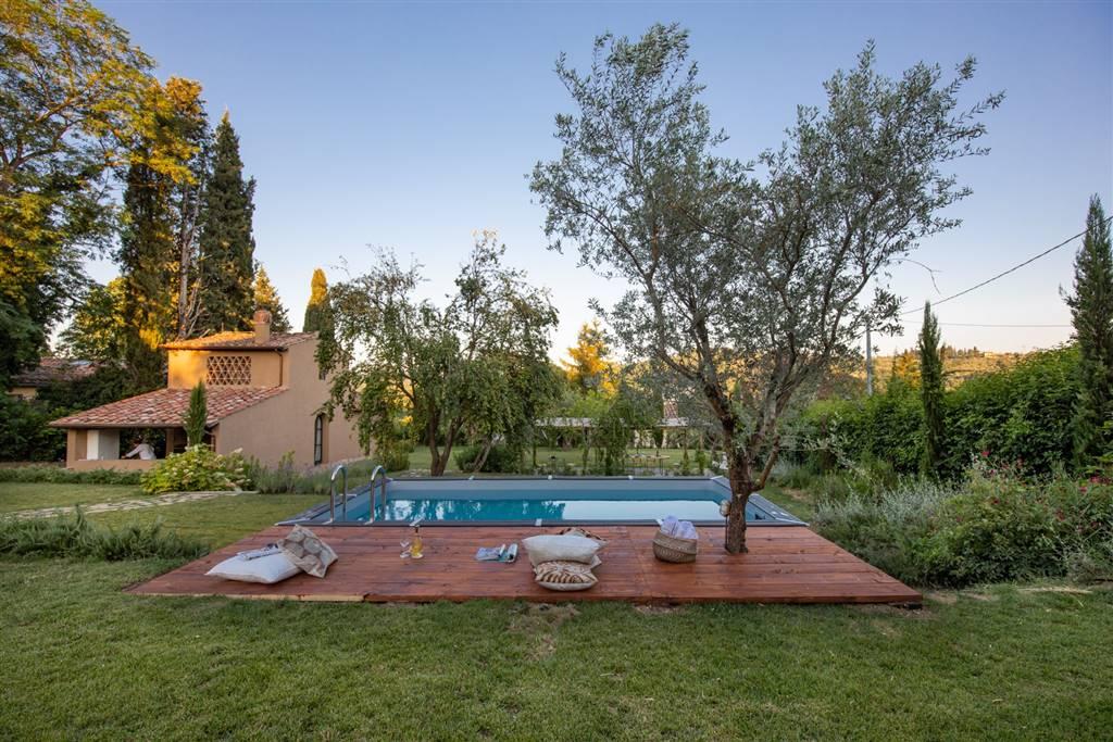 GALLUZZO, FIRENZE, Villa per le vacanze in affitto di 150 Mq, Ristrutturato, Riscaldamento a pavimento, Classe energetica: G, Epi: 167 kwh/m2 anno,