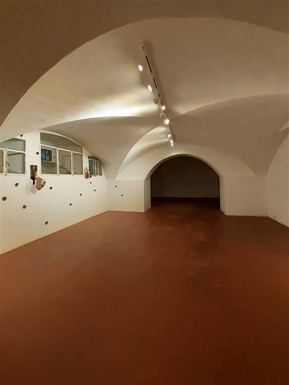 ampio open space seminterrato
