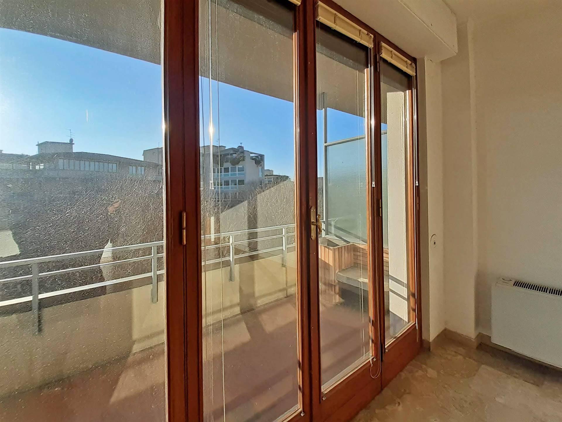 porte finestre su terrazzo