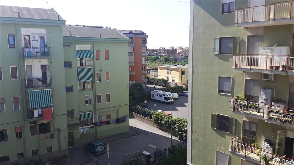 MERCATELLO, SALERNO, Appartamento in vendita di 85 Mq, Ottime condizioni, Riscaldamento Autonomo, posto al piano 3° su 4, composto da: 4 Vani, Cucina