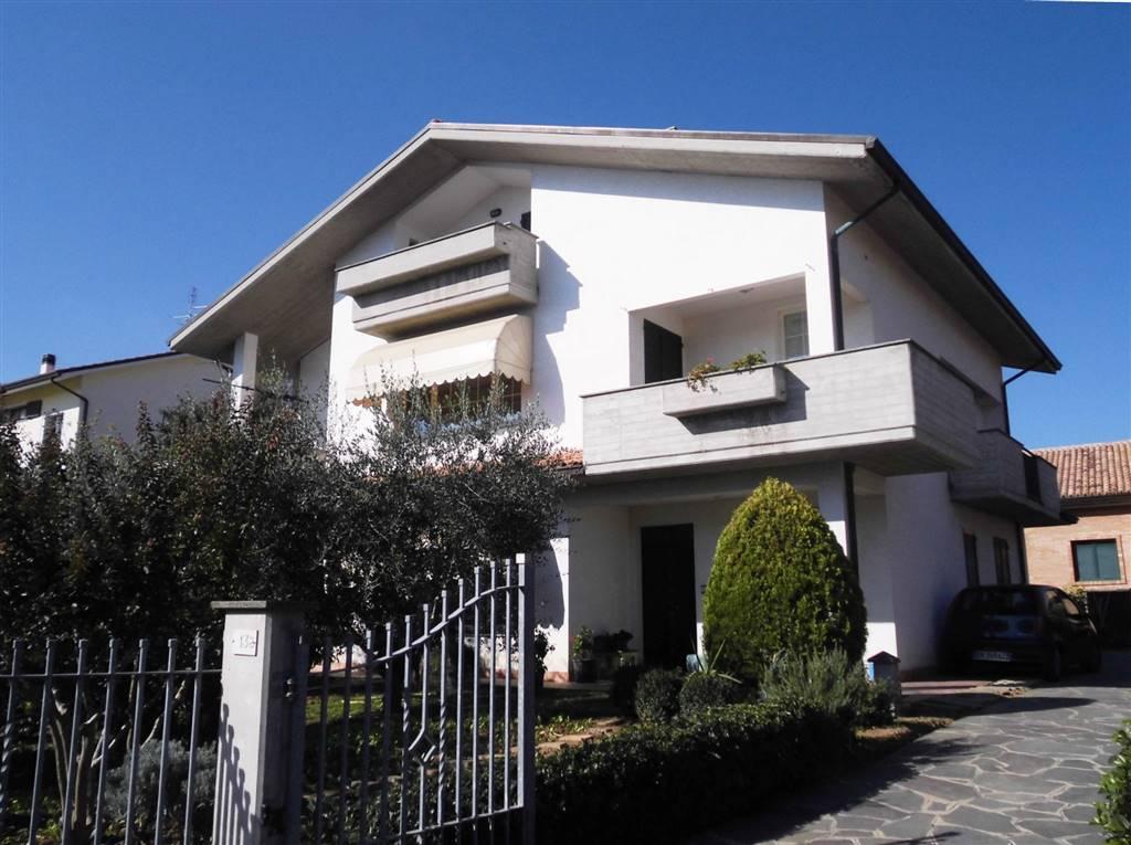 Villa in vendita a Monte San Vito, 10 locali, zona Zona: Borghetto, Trattative riservate | CambioCasa.it