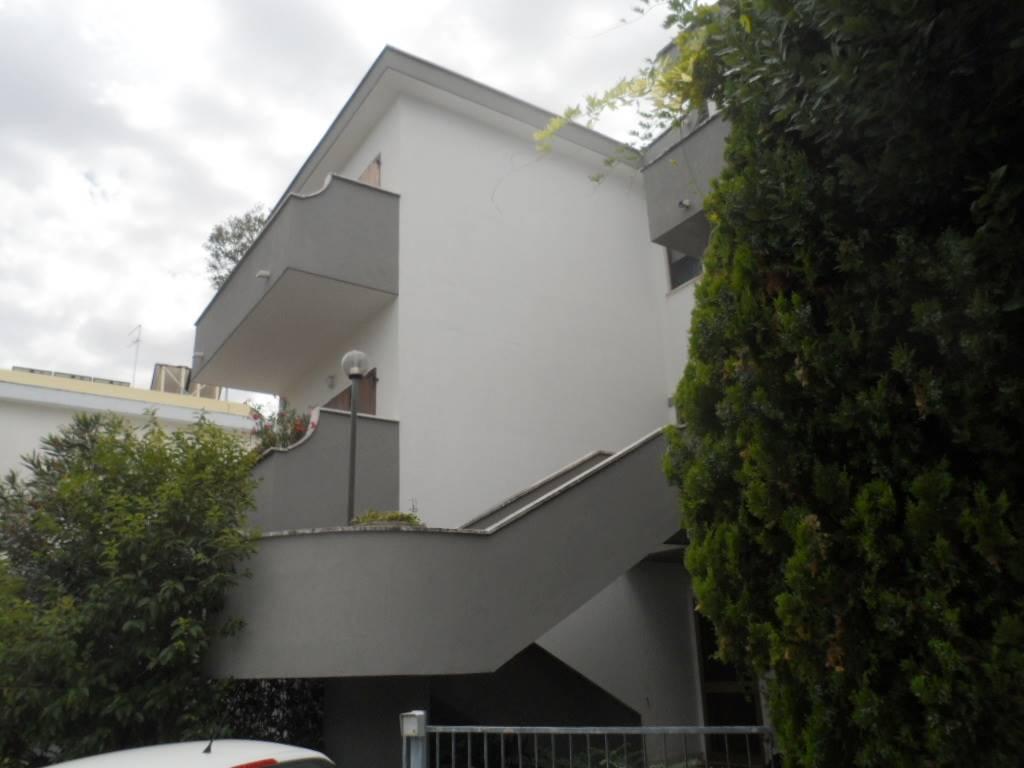 Villa a schieraaFALCONARA MARITTIMA
