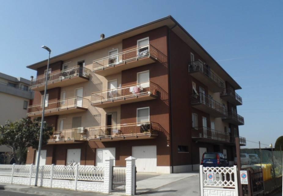 Appartamento in vendita a Chiaravalle, 2 locali, prezzo € 46.000 | CambioCasa.it