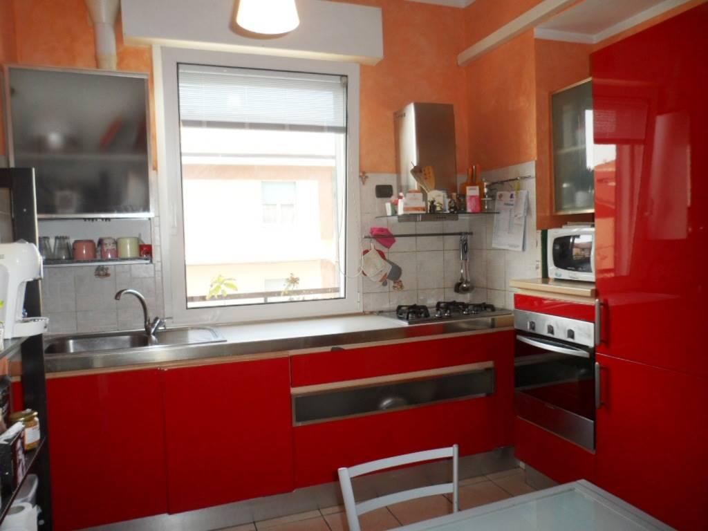 Appartamento in vendita a Chiaravalle, 4 locali, prezzo € 100.000 | CambioCasa.it