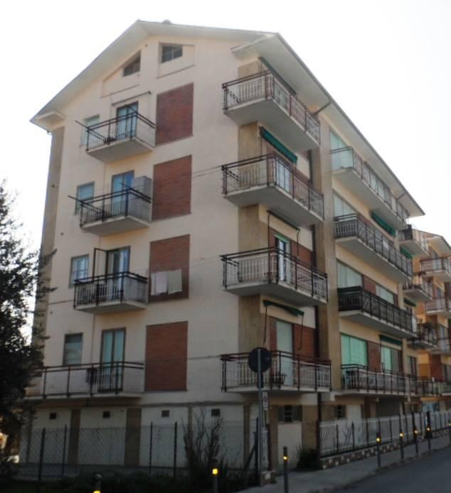 Appartamento in vendita a Chiaravalle, 4 locali, prezzo € 120.000 | CambioCasa.it
