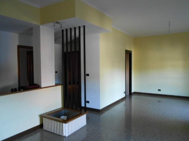 Appartamento in vendita a Cairo Montenotte, 4 locali, prezzo € 80.000 | PortaleAgenzieImmobiliari.it