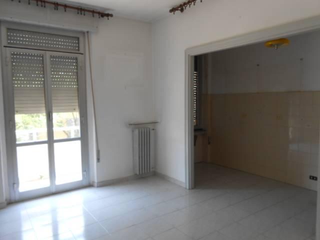 Appartamento in vendita a Cairo Montenotte, 6 locali, zona Giuseppe, prezzo € 36.000 | PortaleAgenzieImmobiliari.it
