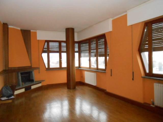 Appartamento in vendita a Cairo Montenotte, 6 locali, prezzo € 180.000 | PortaleAgenzieImmobiliari.it