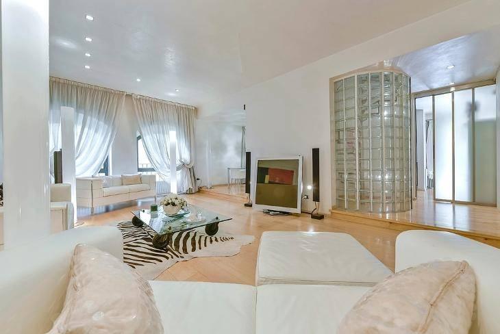 PONTE VECCHIO, FIRENZE, Appartement des vendre de 180 Mq, Restauré, Chauffage Autonome, Classe Énergétique: G, par terre 2°, composé par: 6 Locals,